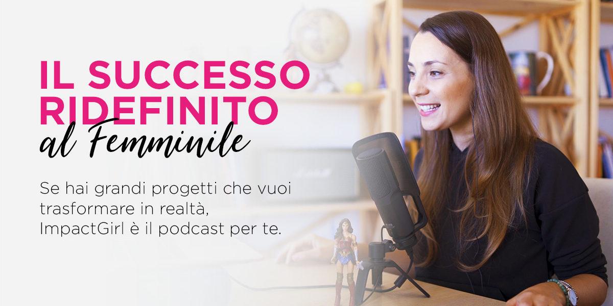 Cecilia Sardeo fotografata mentre registra il podcast Impact Girl