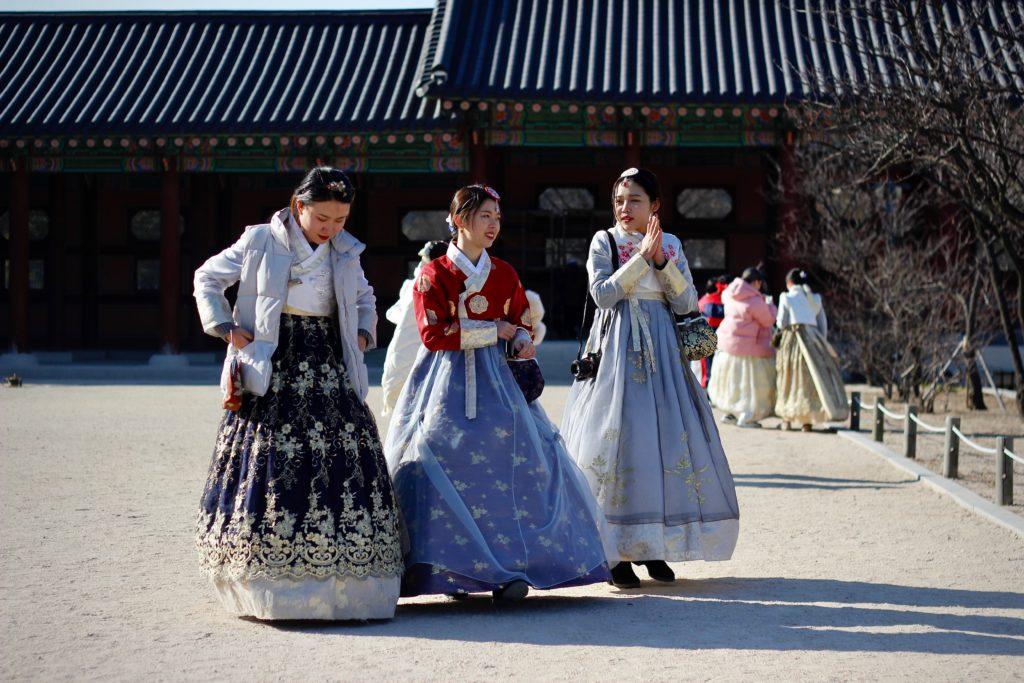 """Le coreane ci hanno preso gusto: dalla """"fuga dai corsetti"""" all'impresa - Ladynomics"""