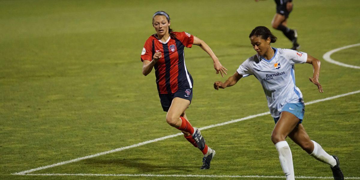Donne che giocano a calcio